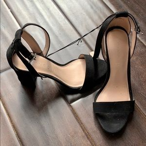 Brand new! Madden girl strappy heels. Black Sz 6